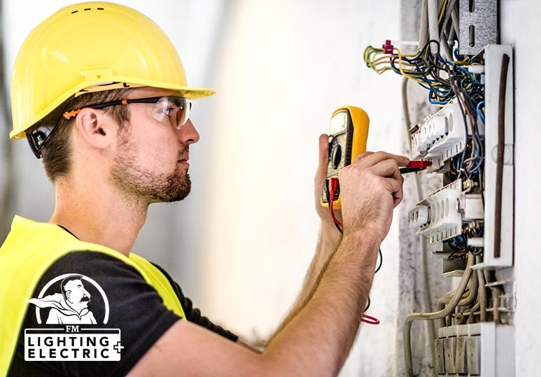 4 Reasons Why You Should Always Hire an Electrician