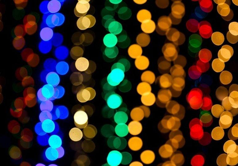 What You Need To Know Before Installing Your Favorite Holiday Lighting